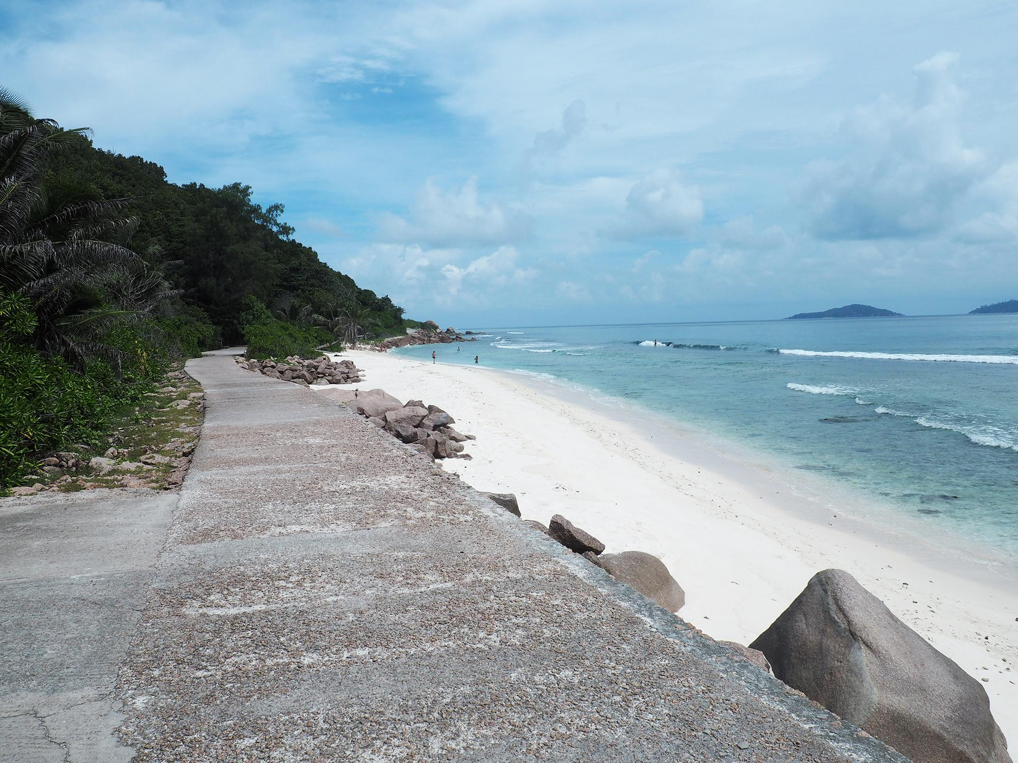 la digue road